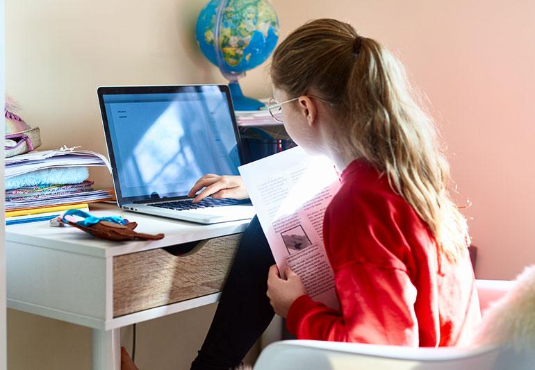 兒童學習桌椅不扎扎實實 小孩難以好好地坐定定